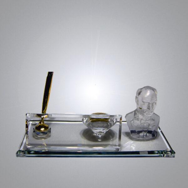Kristal Masa İsimliği-M-132 1