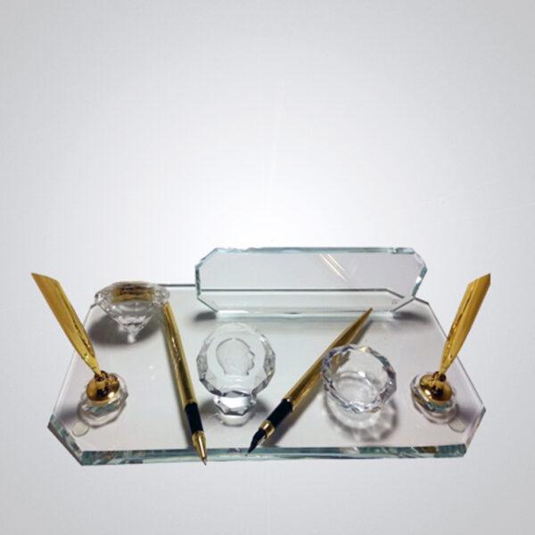 Kristal Masa İsimliği-M-101 1