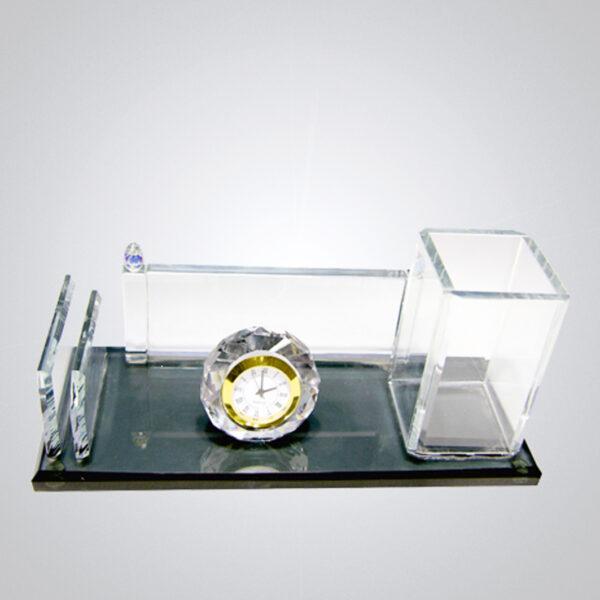 Kristal Masa İsimliği-M-136 1